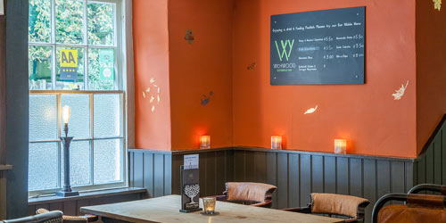 The Wychwood Pub and Restauraunt - Autumn Bar